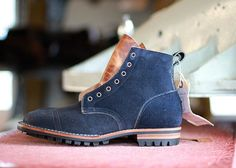 Custom boot made out of Navy chamois from @horweenleather .This week we've been…