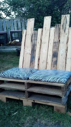Outdoor Love Seat #Bench, #Pallets, #Recycled, #Seat