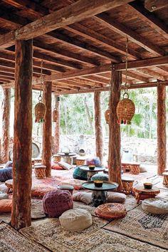 Tulum - Mexico's boho beach hangout - - Tulum – Mexico's boho b.You can find Tulum and mo. Libanesisches Restaurant, Restaurant En Plein Air, Outdoor Restaurant, Restaurant Design, Bohemian Restaurant, Bohemian Cafe, Restaurant On The Beach, Bohemian Style, Tulum Beach