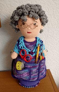 Crochet Dolls Free Patterns, Crochet Doll Pattern, Crochet Motif, Crochet Yarn, Crochet Toys, Crochet Stitches, Crochet Pincushion, Crochet Cushions, Crochet Organizer
