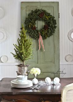 French Country Cottage ~ Christmas in the little cottage French Country Christmas, Cottage Christmas, French Country Cottage, Noel Christmas, Green Christmas, French Country Decorating, Simple Christmas, Christmas Wreaths, Christmas Decorations