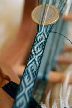 Kobolds Kerkerbastelei - Tabletweaving: Narrow braid with s-motif, detail