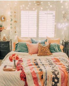 home decor bedroom design Cute Room Ideas, Cute Room Decor, Wall Decor, Wall Art, Room Ideas Bedroom, Home Decor Bedroom, Bedroom Bed, Bedroom Inspo, Modern Bedroom
