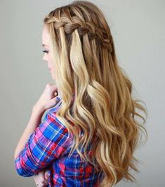 50 Waterfall Braids with Loose Curls - With Hairstyle # small Braids with curls 50 Waterfall Braids with Loose Curls - With Hairstyle # wedding Braids waterfall Curled Hair With Braid, Braids With Curls, Loose Curls, Loose Waves, Side Braids, Open Hairstyles, Trending Hairstyles, Braided Hairstyles, Retro Hairstyles