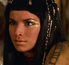 Patricia Velazquez as Anck Su Namun - the smudge