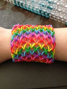 How to make this fantastic Rainbow Loom Dragon Scale Cuff Bracelet ? COOL ! Pattern --> http://wonderfuldiy.com/wonderful-diy-rainbow-loom-dragon-scale-cuff-bracelet/