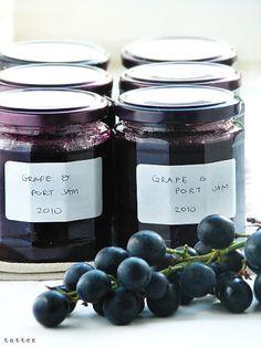 Palce lizac !: Przygotowania do srogiej zimy... - dżem z czarnych winogron z porto
