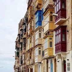 Ending the #week with this traditional photo! How many #balconies do you think there are?   Featured Photographer: @aliiane  Tag your #photos with #MaltaPhotography to get a chance to be #featured on @maltaphotography - http://ift.tt/1T1gqWE  #street #red #balconies #history #traditional #maltese #love #me #fun #weekend #colours #Valletta #island #jj #Malta #Photography #instagramhub #instafamous #photooftheday #picoftheday #lonelyplanet #travel #destination #worlderlust…