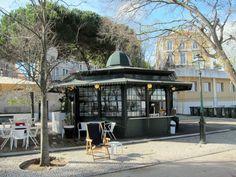 One of our favorite miradouro quiosques in Lisbon is in the Miradouro de São Pedro de Alcântara
