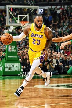 """The King has chosen"" 👑👑👑 King Lebron James, Lebron James Lakers, King James, Mvp Basketball, Basketball Pictures, Basketball Skills, Lebron James Wallpapers, Magic Johnson, Nba Stars"