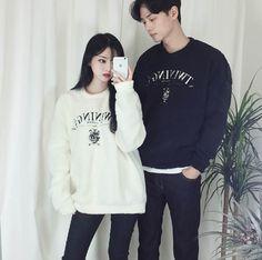 Korean Couple Fashion - Official Korean Fashion Korean Fashion Trends, Asian Fashion, Teen Fashion, Fashion Outfits, Matching Couple Outfits, Cute Lazy Outfits, Korean People, Ulzzang Couple, Friend Outfits