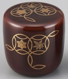 Laquerware natsume(tea container) depicting the four seasons by Wajima Laquerware Taiga-do