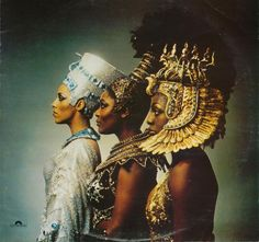 The Ritchie Family was group popular during the disco era. This photo is the album cover for their fourth album titled, African Queens. Egyptian Queen, Egyptian Art, African History, African Art, African Crown, Tribal African, African Culture, Ancient Egypt, Ancient History