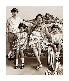 H.M. Queen Nazli With Children; Farouk, Fawzia, Faiza & Faika
