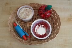 Apple pie themed playdough basket from Counting Coconuts – I know the kids are going to LOVE making mini apple pies {even if they are pretend}.