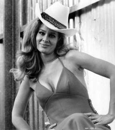 We Miss Karen Black, Quirky Prolific Actress. Karen Blanche Ziegler was born in Park Ridge, Illinois, in suburban Chicago. She moved to NY after two years at Northwestern College which she started at age Karen Black, Black 7, Burnt Offerings, Black Actresses, Hot Actresses, Thing 1, Easy Rider, Horror Films, Up Girl