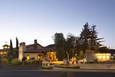 Nestled in the heart of Napa Valley, Napa Valley Lodge offers on-site spa treatments and a continental Champagne breakfast. Champagne Breakfast, Spa Treatments, Napa Valley, Free Wifi, Outdoor Pool, United States, California, Cabin, Mansions