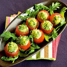 Cocktail tomatoes with mozzarella - Essen - Appetizers Easy Light Appetizers, Appetizers For Party, Appetizer Recipes, Snack Recipes, Party Finger Foods, Snacks Für Party, Summer Snacks, Summer Salads, Food Garnishes