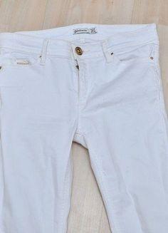 Kup mój przedmiot na #vintedpl http://www.vinted.pl/damska-odziez/rurki/15416000-biale-spodnie-stradivarius-rozmiar-36