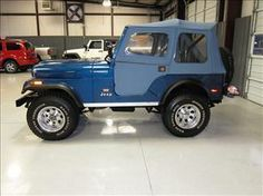 AMC Jeep CJ5 - Levi's Edition w/ full top