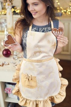 Gifts For Friends, Gifts For Mom, Ruffle Apron, Gift Baskets For Women, Christmas Aprons, Cute Aprons, Sewing Aprons, Half Apron, Apron Designs