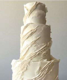 Here I go , mixing techniques.a little with those crawling ridges Ivory Wedding Cake, Vegan Wedding Cake, Black Wedding Cakes, Elegant Wedding Cakes, Beautiful Wedding Cakes, Wedding Cake Designs, Beautiful Cakes, Simple Elegant Cakes, Painted Wedding Cake