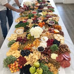 I don't normally post food photos but this charcuterie set up I had at a party at my house was AMAZING! I have had SO many people ask me… Party Food Buffet, Party Food And Drinks, Appetizer Buffet, Marsala, Food Set Up, Great Recipes, Favorite Recipes, Recipe Ideas, Charcuterie Platter