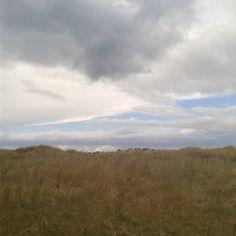 En Asturias brechas en el cielo.. In der Heimat der Himmelsspalt #asturias #horizont #himmel #wolken #gedanken #landschaft und #wildnis der #atlantischerozean #küste  #atlanticcoast #igersasturias