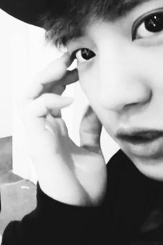 Chanyeol close-up O.O bw