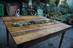 Recycled pallet garden table with rectangle succulent pot insert. Backyard Furniture, Diy Outdoor Furniture, Furniture Ideas, Pallet Furniture, Wicker Furniture, Modern Furniture, Furniture Inspiration, Lawn Furniture, Garden Inspiration