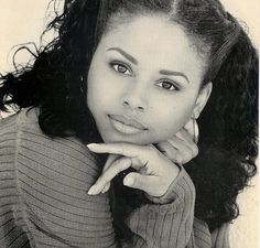 How beautiful she was. Happy birthday to a beautiful soul, the late Michelle Thomas. Today she would have turned 50 years old. She died in… Most Beautiful Black Women, Beautiful Soul, Michelle Thomas, Phylicia Rashad, Happy Black, Doja Cat, Family Matters, Natural Looks, Natural Beauty