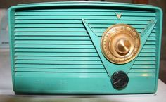 Vintage Radios - I used to have this Philips radio. I bought it in Philadelphia at a wonderful antique mall I frequented.
