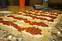 Lasagna Roll-Ups - My Joy-Filled Life. make sure to double the cheese filling and also the spaghetti sauce in order to fill 24 noodles. Freezer Cooking, Cooking Recipes, Freezer Lasagna, Freezer Recipes, Weeknight Recipes, Batch Cooking, Weeknight Dinners, Meal Recipes, Yummy Recipes