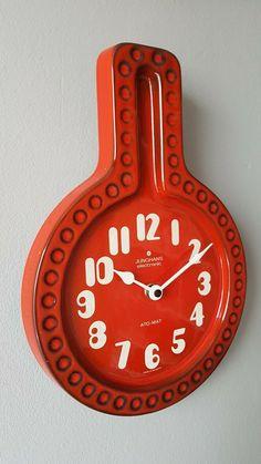 Classic vintage red Fat Lava West German Céramique Horloge murale par JUNGHANS | eBay Clocks, Wall, Ebay, Clock