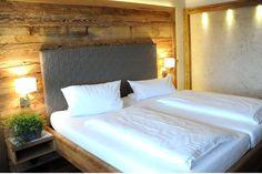 Urlaub mit Hund in Deutschland - Bayern. Doppelzimmer. Tierischer Urlaub im Bayerischen Wald (c) Natur-Hunde-Hotel Bergfried
