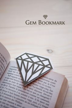 [DIY] Gem Bookmark