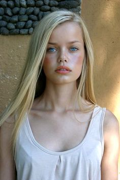 Frida Aasen - German model a very Germanic face lovely