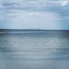#Melbourne #melbournesview #skyscreapers #melbournefrombellarinepeninsula #pacificocean #bellarinepeninsula by fra_pp3 http://ift.tt/1JO3Y6G