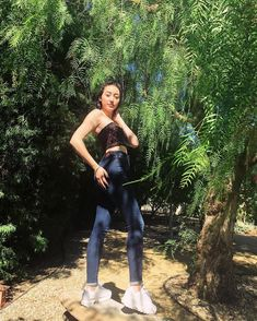 Noah Cyrus, Famous Singers, Poses, Celebrities, Musicians, Appreciation, Daddy, Sisters, Shapes