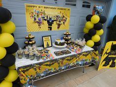 LEGO BATMAN BIRTHDAY PARTY - CAKE/ FAVOR TABLE