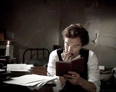 Guys who read: Benedict being sexy.