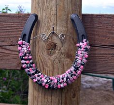 I've been asked more than once for a pink and back horseshoe.  Here it is.