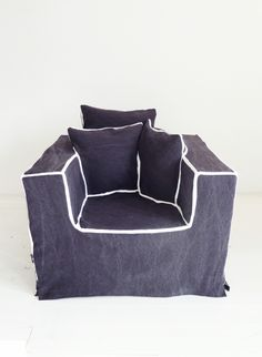 ARMCHAIR GREY FRONT