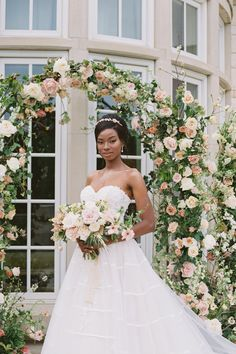 This editorial is as pretty as a painting! 💐 @glitterandglueweddings designed a day brimming with delicate details and velvety touches, while beautiful blooms by @lizziebeesflowershoppe add to the romance and ethereal aesthetic. | LBB Photography: @stephaniemichellephotog #stylemepretty #weddingflowers #springwedding #flowerarch
