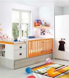 Os berços coloridos estão fazendo a cabeça das mamães mais moderninhas, e por que não aderir a ideia e colocar um berço laranja no quarto do bebê? A cor é associada a felicidade e ao lúdico, um berço laranja deixará a decoração do quarto de bebê mais alegre e cheio de vida! Sendo uma cor unissex, ela combina com várias outras cores, deixando o ambiente mais divertido.