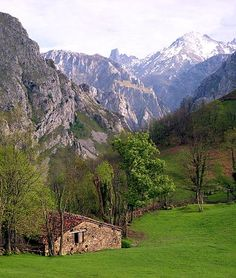 5 Reasons to Go to Northern Spain - Young Adventuress