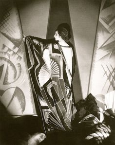 Modernist scarf, 1925.  Photo by Edward Steichen. | More on the myLusciousLife blog: www.mylusciouslife.com