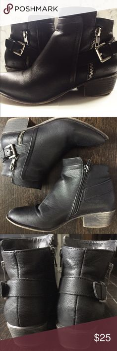 Steve Madden black Ankle Booties These black Madden Girl Booties are in good condition. See photos for wear. The front tip of each shoe has wear (could easily be repaired) but the heels are in good condition. Leather has minuscule amount of fading in a few spots on one side of shoe, but not very noticeable. True to size 6.5! Bought at a Steve Madden store in California. Steve Madden Shoes Ankle Boots & Booties