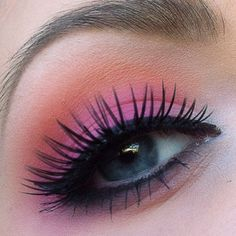 .@isastarmakeup | My boyfriend told me to use these colours today! All eyeshadows are from FÄ... | Webstagram - the best Instagram viewer