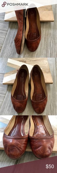 Frye Carson cognac brown flat Sz 8B Normal wear and tear. There's cushion jelly on the insole. Size 8B Frye Shoes Flats & Loafers